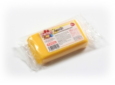 Fondant YELLOW 100 g -   Sin gluten / Gluten-free / Sans Gluten / Senza Glutine / Sem glúten     USES:  Used for coating cakes and moulding shapes, including flowers, by adding a small amount of CMC to obtain a firmer texture.    CONSERVATION:  Store in a cool, dry place at room temperature. Keep away from sunlight. KEEP THE BAG CLOSED. Keeps very well in cold temperatures and in summer heat. Does not dry out when stored in plastic film and placed inside a covered plastic container.  Expiry date : 15 months from the date of packaging. Use before the date printed on the container.    ADVANTAGES :  Smooth, even texture . Pliable and stretchy.  Does not crack  and can be easily shaped.  Is not sticky  and can be kneaded as often as required.  Does not stick  to cutters or to plastic surfaces. A  wide range of colours . The colours are very bright and do not fade after the container is opened or after multiple uses. Has a mild  vanilla scent . Excellent taste; all of the colours taste of vanilla rather than sugar.  Soft without being gooey  or grainy.    INSTRUCTIONS FOR USE:      Should be handled preferably on a plastic surface. The use of icing sugar is not required as Kelmy fondant does not stick to this surface.   Thoroughly knead the Kelmy fondant by hand until it is soft and smooth.           NUTRITION INFORMATION    Per 100 g       ENERGY   1630/384 (kj/kcal)       FAT   3,2 g       OF WHICH SATURATES   1,6 g       CARBOHYDRATE   89 g       OF WHICH SUGARS   77 g       PROTEIN   0,5 g       SALT   0,1 g          Amount of Sugar Paste required to coat a cake  Estimate based on 10 cm high by 5 cm wide portions.             How much fondant do I need?         Size of Cake     Round Cakes    Portions    Square Cakes    Portions       15 cm   500 g   12   750 g   18       18 cm   750 g   17   1 kg   26       20 cm   1 kg   20   1,250 kg   32       23 cm   1,250 kg   30   1,500 kg   38       25 cm   1,500 kg   34   1,750 kg   46       28 cm   1,750 kg   40   2 kg   60