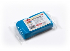 Fondant TURQUOISE 100 g -   Sin gluten / Gluten-free / Sans Gluten / Senza Glutine / Sem glúten     USES:  Used for coating cakes and moulding shapes, including flowers, by adding a small amount of CMC to obtain a firmer texture.    CONSERVATION:  Store in a cool, dry place at room temperature. Keep away from sunlight. KEEP THE BAG CLOSED. Keeps very well in cold temperatures and in summer heat. Does not dry out when stored in plastic film and placed inside a covered plastic container.  Expiry date : 15 months from the date of packaging. Use before the date printed on the container.    ADVANTAGES :  Smooth, even texture . Pliable and stretchy.  Does not crack  and can be easily shaped.  Is not sticky  and can be kneaded as often as required.  Does not stick  to cutters or to plastic surfaces. A  wide range of colours . The colours are very bright and do not fade after the container is opened or after multiple uses. Has a mild  vanilla scent . Excellent taste; all of the colours taste of vanilla rather than sugar.  Soft without being gooey  or grainy.    INSTRUCTIONS FOR USE:      Should be handled preferably on a plastic surface. The use of icing sugar is not required as Kelmy fondant does not stick to this surface.   Thoroughly knead the Kelmy fondant by hand until it is soft and smooth.           NUTRITION INFORMATION    Per 100 g       ENERGY   1630/384 (kj/kcal)       FAT   3,2 g       OF WHICH SATURATES   1,6 g       CARBOHYDRATE   89 g       OF WHICH SUGARS   77 g       PROTEIN   0,5 g       SALT   0,1 g          Amount of Sugar Paste required to coat a cake  Estimate based on 10 cm high by 5 cm wide portions.             How much fondant do I need?         Size of Cake     Round Cakes    Portions    Square Cakes    Portions       15 cm   500 g   12   750 g   18       18 cm   750 g   17   1 kg   26       20 cm   1 kg   20   1,250 kg   32       23 cm   1,250 kg   30   1,500 kg   38       25 cm   1,500 kg   34   1,750 kg   46       28 cm   1,750 kg   40   2 kg  
