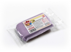 Fondant LILAC 100 g -   Sin gluten / Gluten-free / Sans Gluten / Senza Glutine / Sem glúten     USES:  Used for coating cakes and moulding shapes, including flowers, by adding a small amount of CMC to obtain a firmer texture.    CONSERVATION:  Store in a cool, dry place at room temperature. Keep away from sunlight. KEEP THE BAG CLOSED. Keeps very well in cold temperatures and in summer heat. Does not dry out when stored in plastic film and placed inside a covered plastic container.  Expiry date : 15 months from the date of packaging. Use before the date printed on the container.    ADVANTAGES :  Smooth, even texture . Pliable and stretchy.  Does not crack  and can be easily shaped.  Is not sticky  and can be kneaded as often as required.  Does not stick  to cutters or to plastic surfaces. A  wide range of colours . The colours are very bright and do not fade after the container is opened or after multiple uses. Has a mild  vanilla scent . Excellent taste; all of the colours taste of vanilla rather than sugar.  Soft without being gooey  or grainy.    INSTRUCTIONS FOR USE:      Should be handled preferably on a plastic surface. The use of icing sugar is not required as Kelmy fondant does not stick to this surface.   Thoroughly knead the Kelmy fondant by hand until it is soft and smooth.           NUTRITION INFORMATION    Per 100 g       ENERGY   1630/384 (kj/kcal)       FAT   3,2 g       OF WHICH SATURATES   1,6 g       CARBOHYDRATE   89 g       OF WHICH SUGARS   77 g       PROTEIN   0,5 g       SALT   0,1 g          Amount of Sugar Paste required to coat a cake  Estimate based on 10 cm high by 5 cm wide portions.             How much fondant do I need?         Size of Cake     Round Cakes    Portions    Square Cakes    Portions       15 cm   500 g   12   750 g   18       18 cm   750 g   17   1 kg   26       20 cm   1 kg   20   1,250 kg   32       23 cm   1,250 kg   30   1,500 kg   38       25 cm   1,500 kg   34   1,750 kg   46       28 cm   1,750 kg   40   2 kg   60 