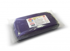Fondant VIOLET 1 kg -   Sin gluten / Gluten-free / Sans Gluten / Senza Glutine / Sem glúten     USES:  Used for coating cakes and moulding shapes, including flowers, by adding a small amount of CMC to obtain a firmer texture.    CONSERVATION:  Store in a cool, dry place at room temperature. Keep away from sunlight. KEEP THE BAG CLOSED. Keeps very well in cold temperatures and in summer heat. Does not dry out when stored in plastic film and placed inside a covered plastic container.  Expiry date : 15 months from the date of packaging. Use before the date printed on the container.    ADVANTAGES :  Smooth, even texture . Pliable and stretchy.  Does not crack  and can be easily shaped.  Is not sticky  and can be kneaded as often as required.  Does not stick  to cutters or to plastic surfaces. A  wide range of colours . The colours are very bright and do not fade after the container is opened or after multiple uses. Has a mild  vanilla scent . Excellent taste; all of the colours taste of vanilla rather than sugar.  Soft without being gooey  or grainy.    INSTRUCTIONS FOR USE:      Should be handled preferably on a plastic surface. The use of icing sugar is not required as Kelmy fondant does not stick to this surface.   Thoroughly knead the Kelmy fondant by hand until it is soft and smooth.           NUTRITION INFORMATION    Per 100 g       ENERGY   1620/382 (kj/kcal)       FAT   2,4g       OF WHICH SATURATES   1,3g       CARBOHYDRATE   90g       OF WHICH SUGARS   84g       PROTEIN   0,5 g       SALT   0,1 g          Amount of Sugar Paste required to coat a cake  Estimate based on 10 cm high by 5 cm wide portions.             How much fondant do I need?         Size of Cake     Round Cakes    Portions    Square Cakes    Portions       15 cm   500 g   12   750 g   18       18 cm   750 g   17   1 kg   26       20 cm   1 kg   20   1,250 kg   32       23 cm   1,250 kg   30   1,500 kg   38       25 cm   1,500 kg   34   1,750 kg   46       28 cm   1,750 kg   40   2 kg   60     